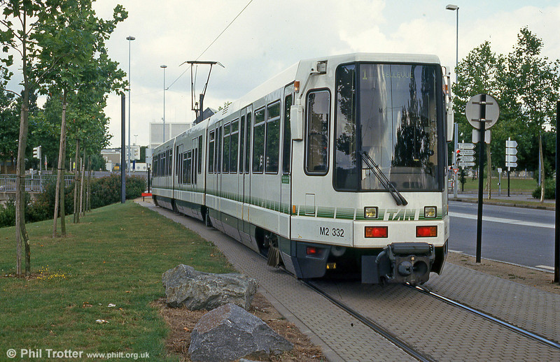 Car 332 at Beaujoire on 25th July 1993.