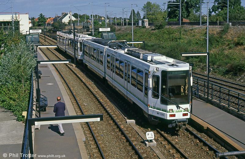 Car 320 at Hôpital Bellier on 29th August 1989.
