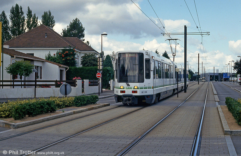 Car 308 at Avenue d'Anjou on 26th July 1993.