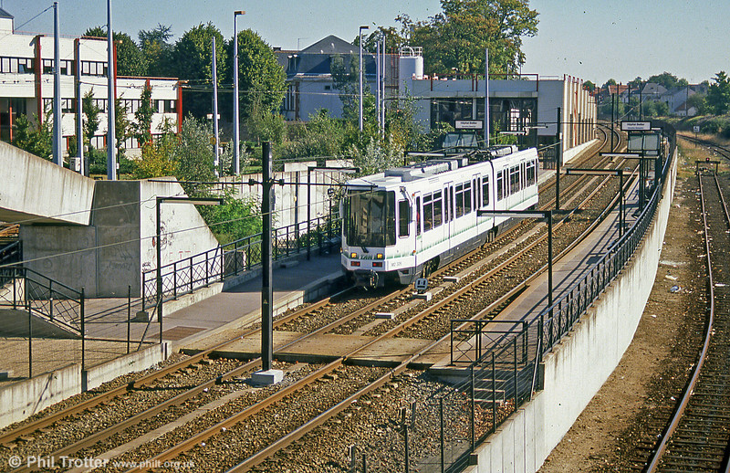 Car 326 at Hôpital Bellier on 29th August 1989.