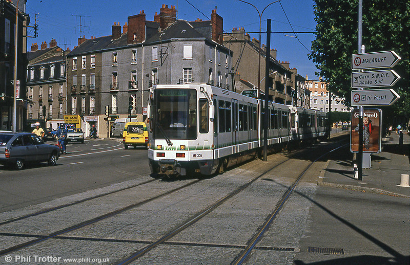 Car 305 at Moutonnerie on 29th August 1989.
