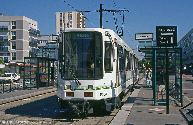 Car 326 at Bellevue on 29th August 1989.