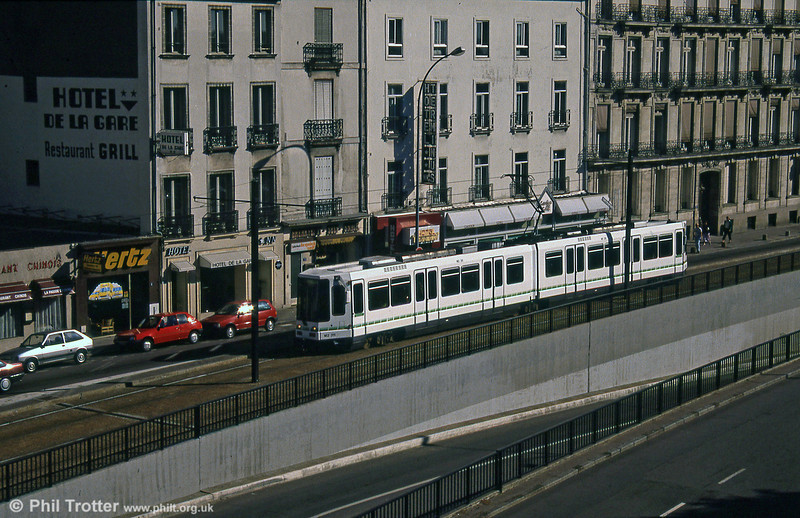 Car 326 at near Nantes Station on 29th August 1989.