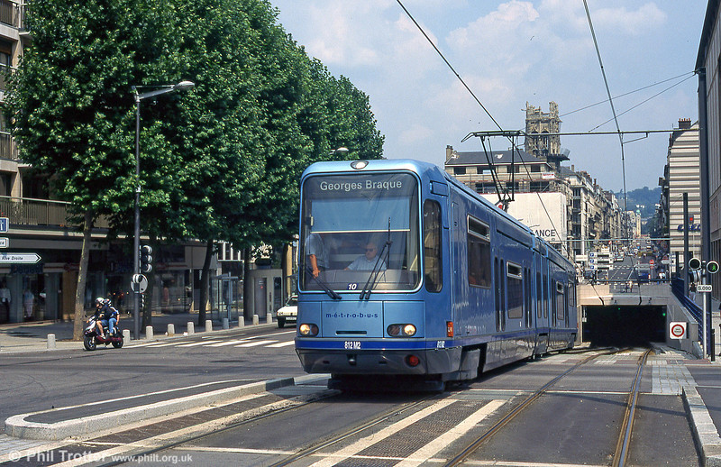 Rouen 812 at Rue Jeanne d'Arc where the City Centre underground section surfaces before crossing the River Seine in August 1995.