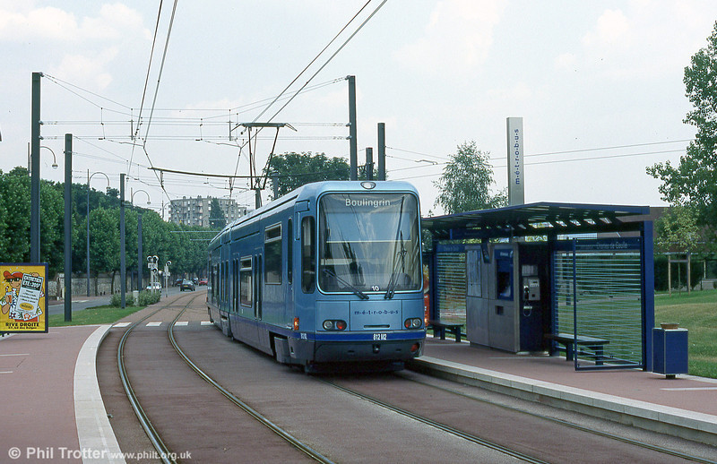 Car 812 at Charles de Gaulle in August 1995.