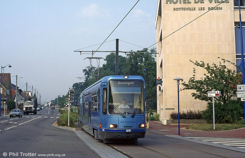 Car 824 at Hotel de Ville, Sotteville in August 1995.