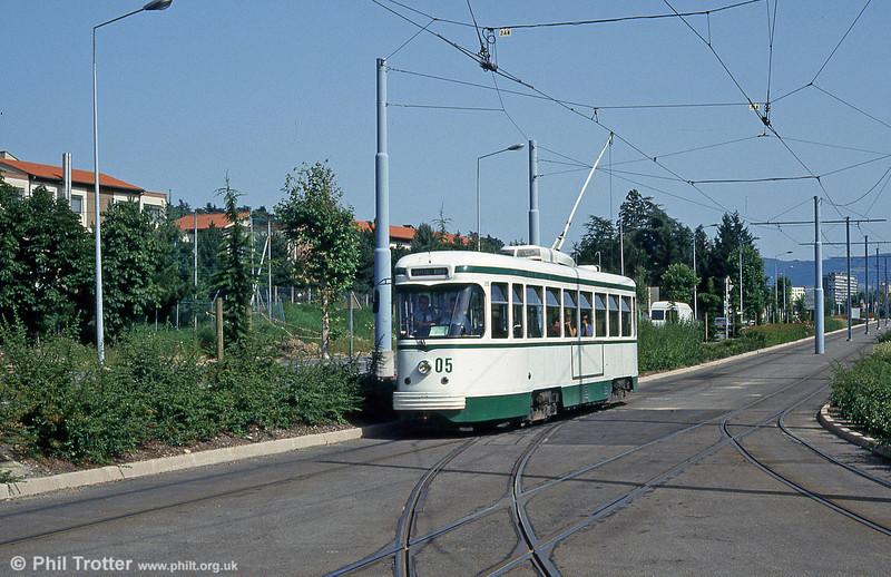 Car 505 at Clinique du Parc on 29th July 1993.