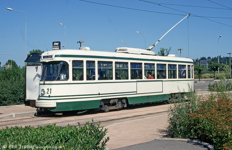 Car 521 at Terrasse on 29th July 1993.
