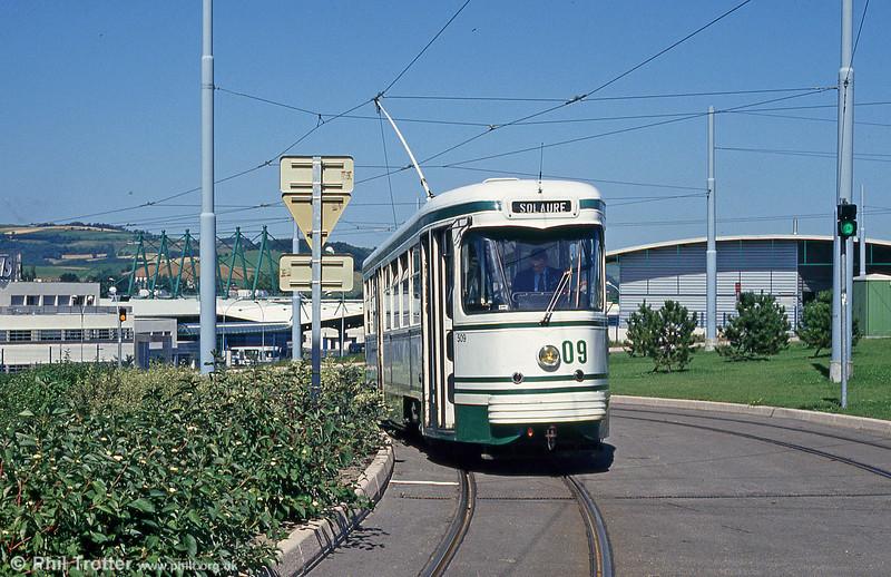 Car 509 at Clinique du Parc on 29th July 1993.
