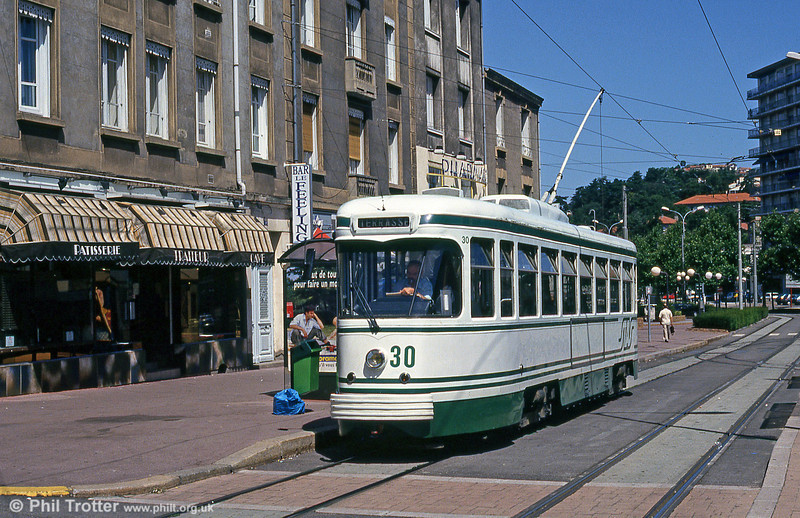 Car 530 at Terrasse on 29th July 1993.