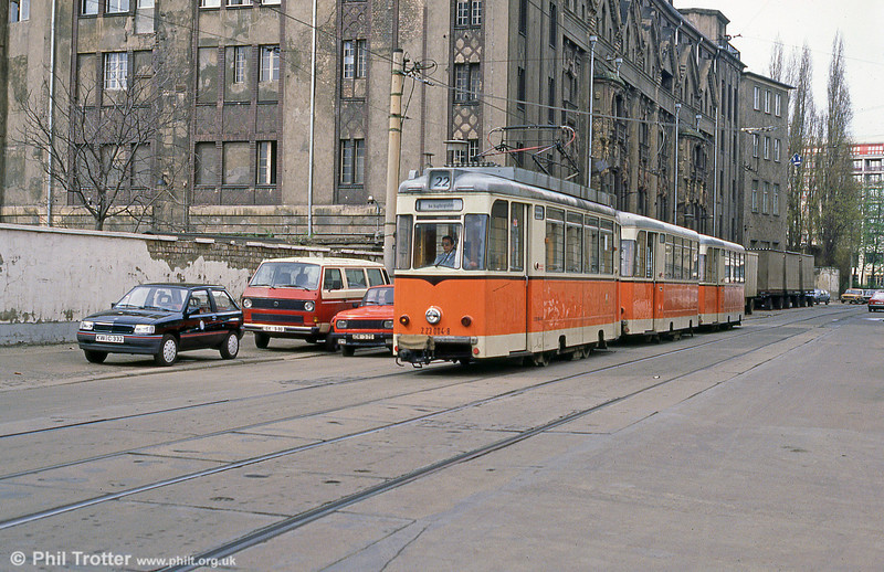 Berlin 004 of 1969 at Am Kupfergraben on 9th April 1991.