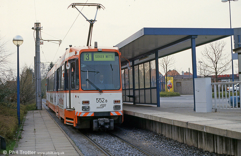 Bielefeld 552 at Babenhausen Sud on 11th April 1993.