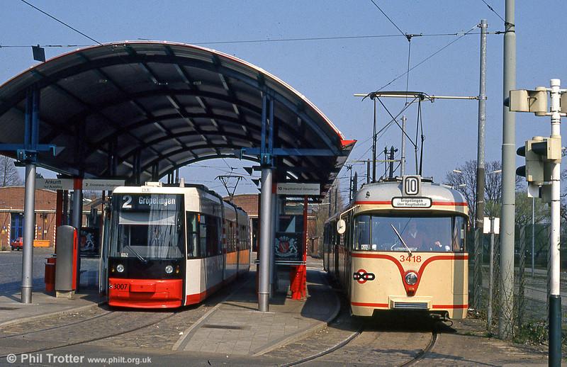 Bremen MAN/AEG low floor car 3007 at Sebaldsbrucke on 20th April 1994.