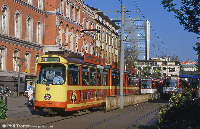 Duisburg 1085 shows its orange and yellow livery to good effect at Konigstrasse.
