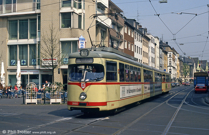 Car 2660 at Dreieck on 21st April 1994.