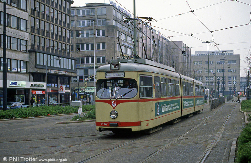 Dusseldorf 2862 at the Hauptbahnhof on 24th April 1993.