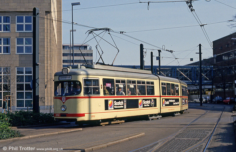 Dusseldorf 2552 at the Hauptbahnhof on 24th April 1993.