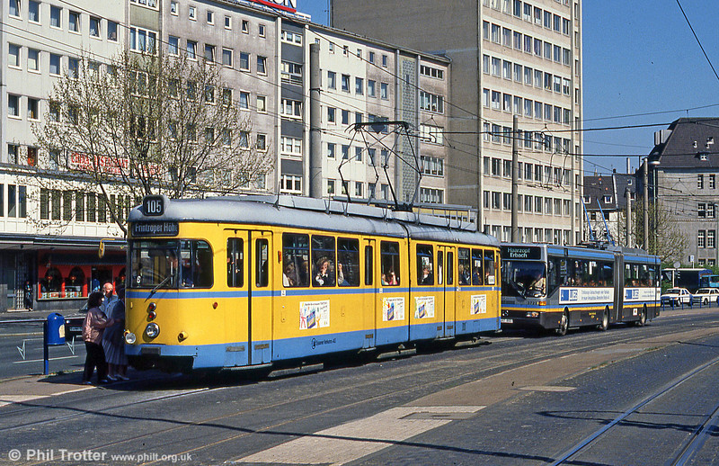Essen 1629  at Viehofer Platz on 12th April 1991.