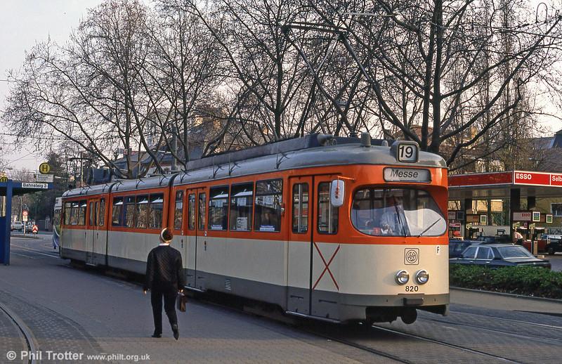 Frankfurt (Main) 820 at Gartenstrasse on 2nd April 1991.