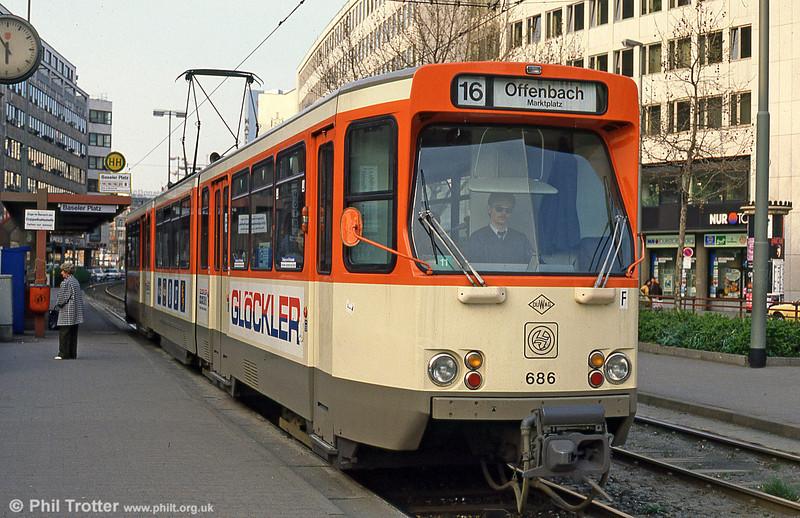 Frankfurt (Main) 686 at Baselerstrasse on 2nd April 1991.