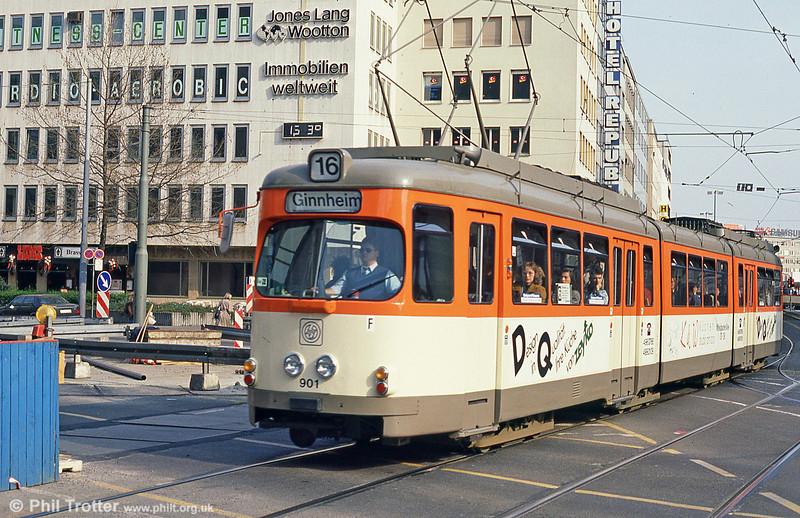 Frankfurt (Main) 901 near Frankfurt Hbf. on 2nd April 1991.