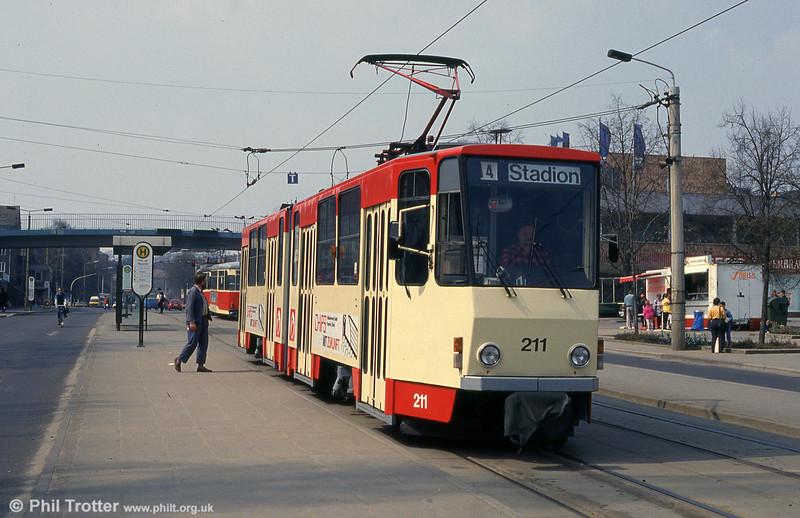 Frankfurt (Oder) Tatrat KT4D no. 211 pulls away from Platz der Republik.