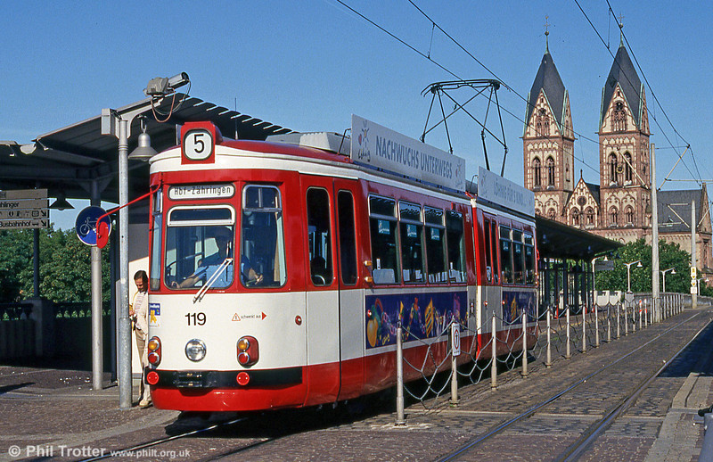 GT4 car 119 at the Hauptbahnhof on 1st August 1993.