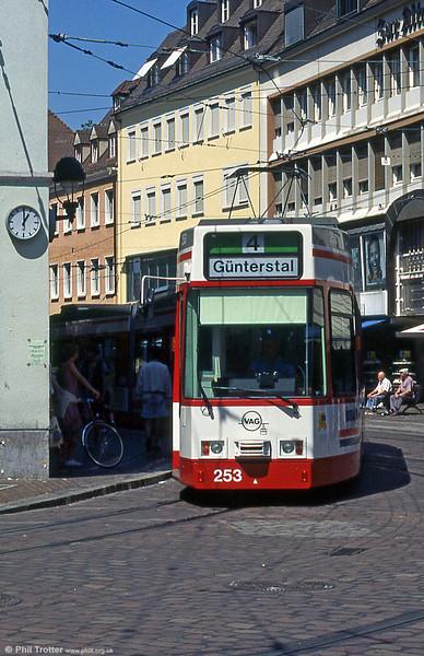 Freiburg 253 at Bertoldsbrunnen in August 1995.