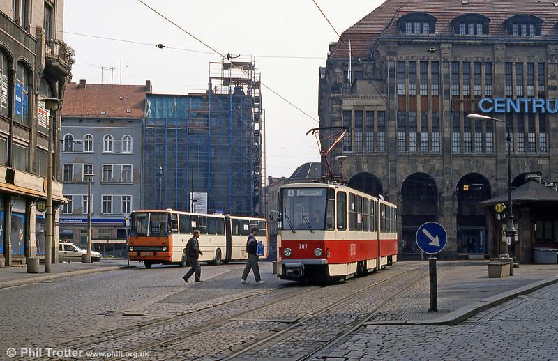 Gorlitz 007, a Tatra KT4D at Demianiplatz on 7th April 1991.