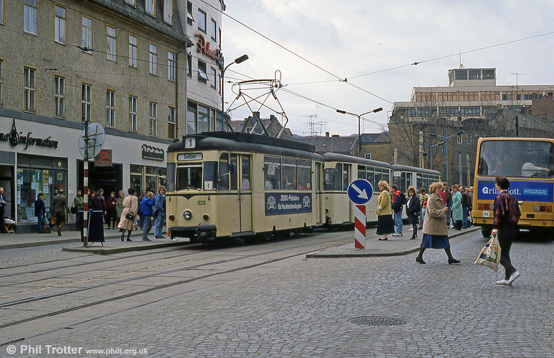 Jena 020 at the city's main tram stop at Holzmarkt.
