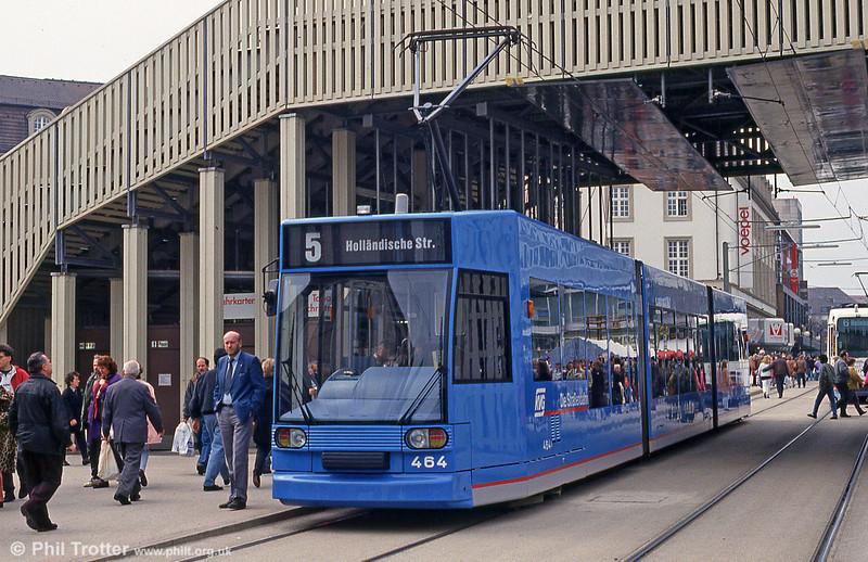 Car 464 at Konigsplatz on 10th April 1993.