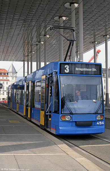 Kassel 454 at Bahnhof Wilhelmshohe on 10th April 1993. (First published in Light Rail & Modern Tramway, 8/93).