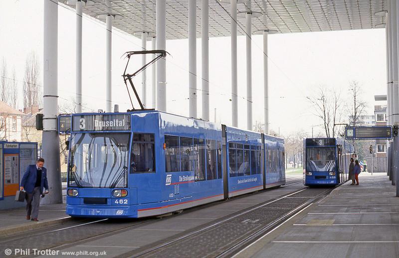 Kassel 462 at Bahnhof Wilhelmshohe on 10th April 1993.
