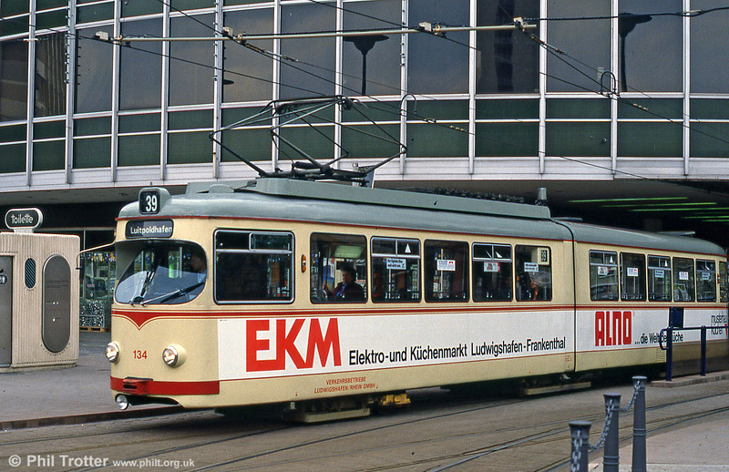 Ludwigshafen 134 at Berliner Platz on 3rd April 1991.