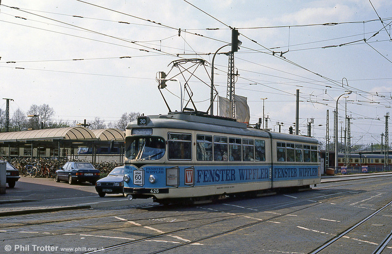 Mannheim 426 at Hauptbahnhof on 3rd April 1991.