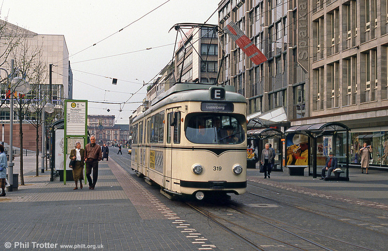 Mannheim 319 at Paradeplatz on 4th April 1991.