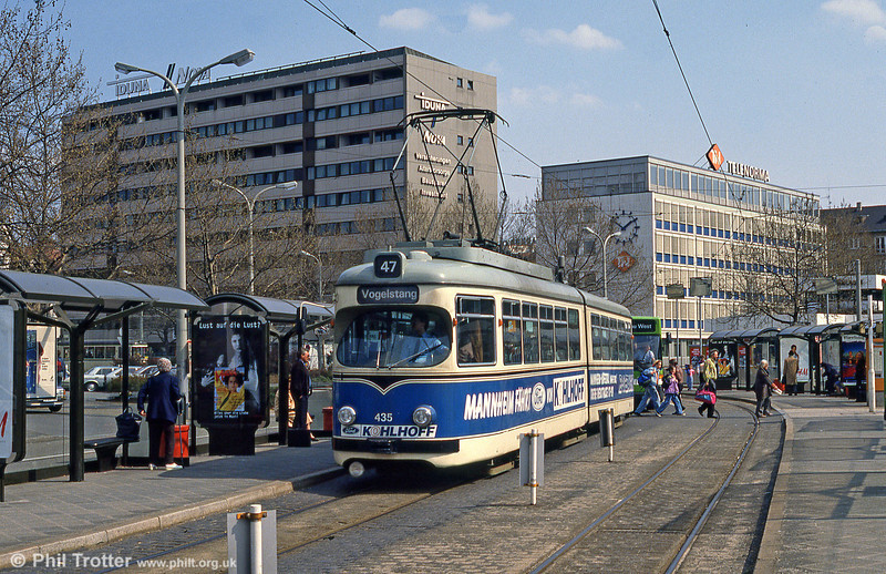 Mannheim 435 at Hauptbahnhof on 3rd April 1991.