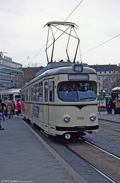 Mannheim 359 at Hauptbahnhof on 3rd April 1991.