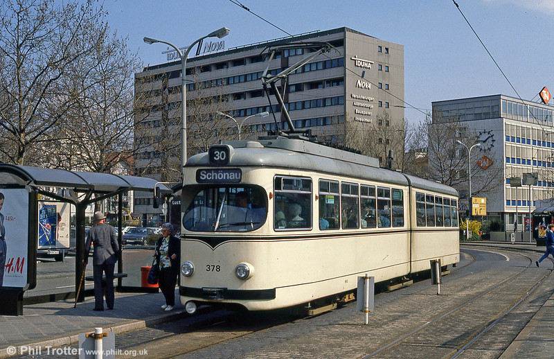 Mannheim 378 at Hauptbahnhof on 3rd April 1991.