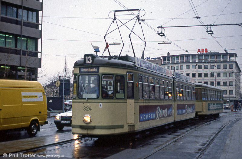 Nürnberg 324 at the Hauptbahnhof on 5th April 1991.