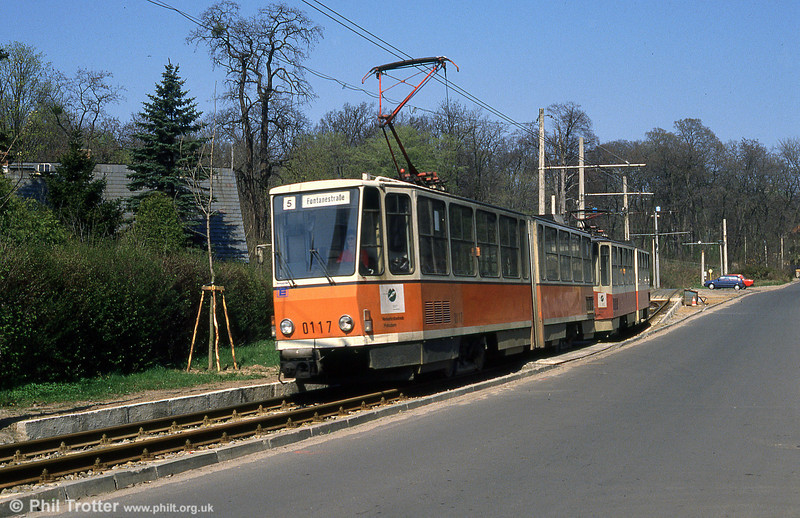 Tatra KT4D no. 0117 at Kappellenburg terminus.