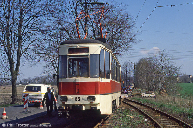 Schoneiche 65, a slightly more modern version of 62, built in 1970, at Schoeneicher Landstrasse on 10th April 1991.