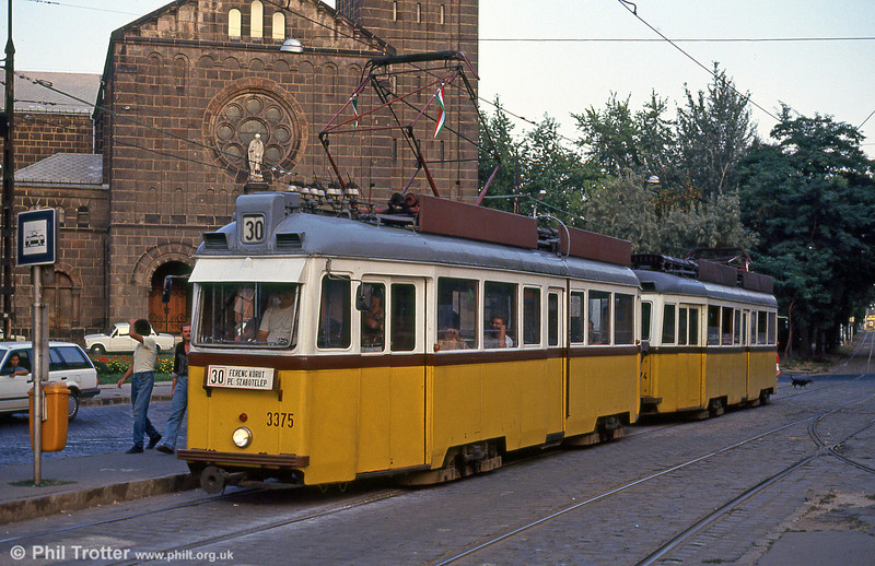 Ganz UV2 3375 at Ferenc körút on 19th August 1992.