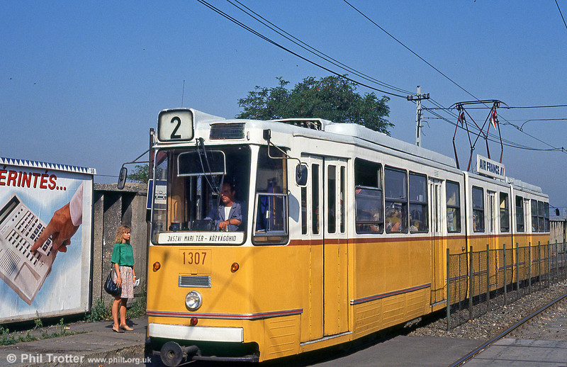 Budapest Ganz CSMG2 1307 of 1967 at Soroksári út on 19th August 1992.