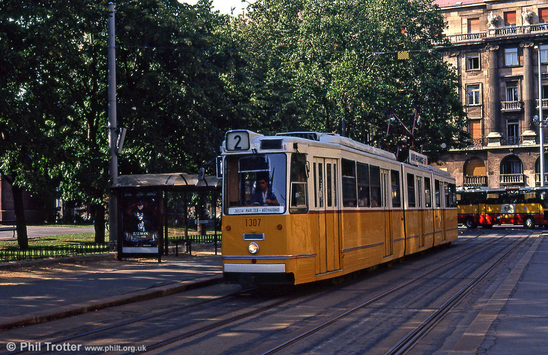 Budapest Ganz CSMG2 1307 of 1967 at Kossuth Lajos tér on 19th August 1992.