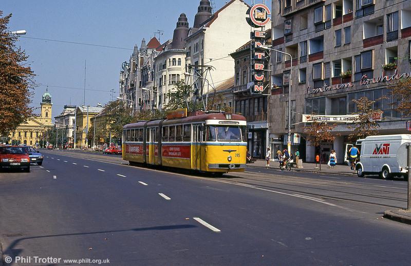 Debrecen 285 in Piac utca on 21st August 1992.