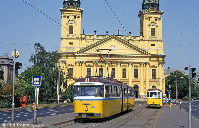Debrecen 385 at Kossuth tér on 21st August 1992.