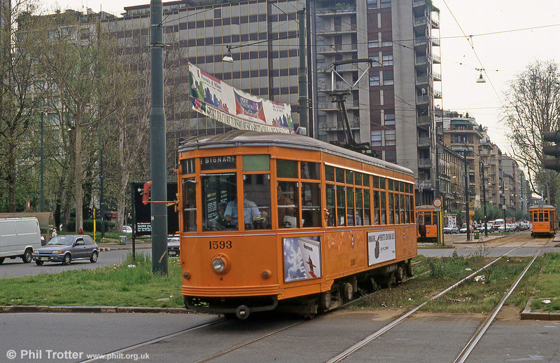 Car 1597 at Piazza della Repubblica on 21st April 1992.