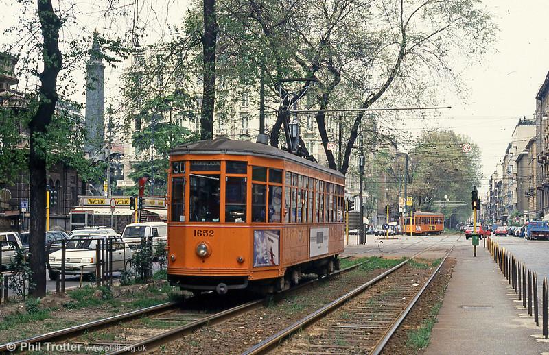 Car 1652 at St. Vittoria on 21st April 1992.