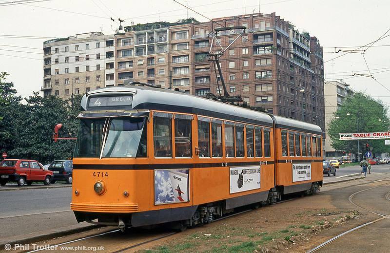 Milano 4714 at Piazza della Repubblica on 21st April 1992.